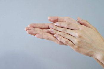 Envelhecimento das mãos: Como prevenir e tratar esse problema.