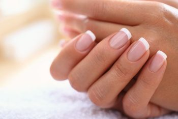 10 cuidados com as unhas que você não pode dispensar