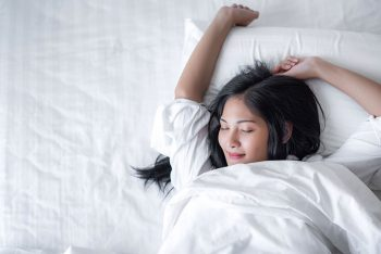 Sono da beleza: dormir realmente faz bem para a pele