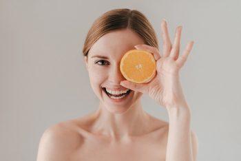 Por que a vitamina C faz tão bem para a pele?
